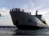 印尼新坦克登陆舰下水 外媒:海军仍欠缺基本能力