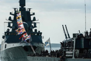 普京说俄海军今年将新增26艘舰船