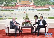 李克强会见美中贸易全国委员会访华代表团