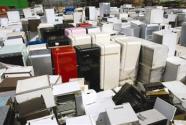 """大批废旧家电面临""""退休""""如何规范回收变废为宝?"""