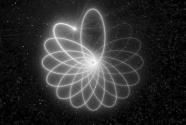 """超大质量黑洞与周围恒星上演""""玫瑰舞"""""""