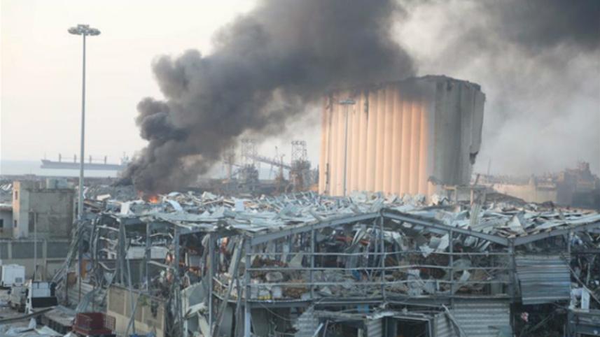 黎巴嫩爆炸现场:整个贝鲁特像发生了一场地震
