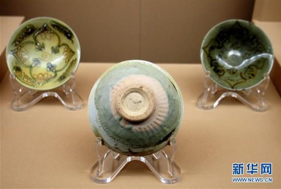 """(新华视界)(5)""""黑石号""""沉船出水珍品在上海展出"""