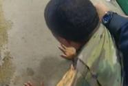 无比讽刺,美黑人军官被白人警察当街殴打!